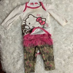 Adorable Hello Kitty Outfit!